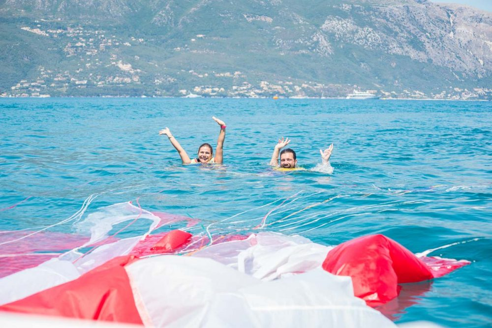 paragliding in corfu happy people 04